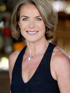 Helen mature model